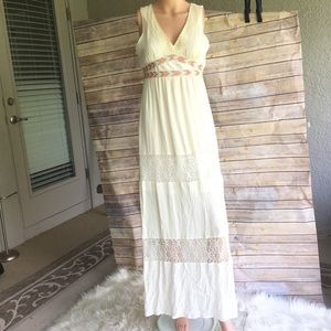 Flying tomato beautiful beige maxi dress size XS